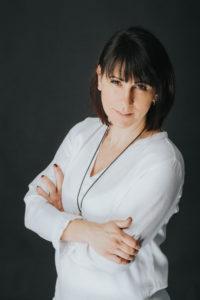 Sesja biznesowa kobieca w studio